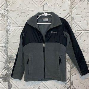 Columbia contrast gray and black fleece jacket